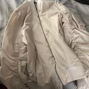 PACSUN CREME COLORED BOMBER-JACKET